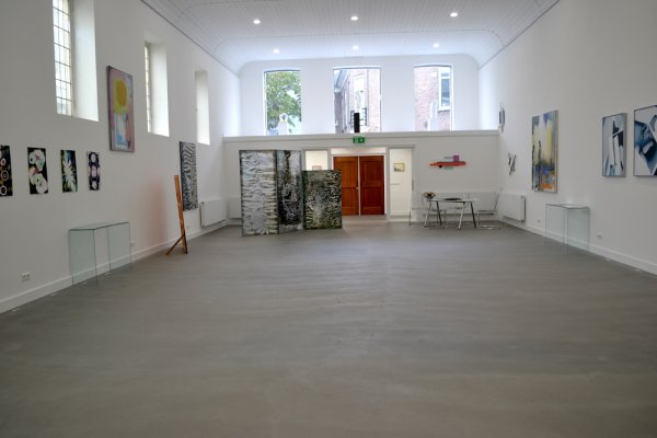 interieur from gym to church to gallery 2