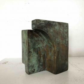 Helen Vergouwen, 369, 2009, 9,2x5, 6x7,6cm bronze, unicum, web