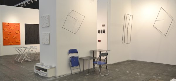 o-68 kunstrai 2018 booth 48-4, solo Vernooij and glimpse to main part