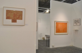 o-68 kunstrai 2018 booth 48-7, Wieteke Heldens left and right, Theo Kuijpers middle