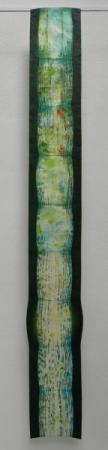 O-68 nikki van es, groeifragment uitbotter zwart 2019, Nepalees en Japans papier, aquarel, krijt, acryl, 180 x 23 cm