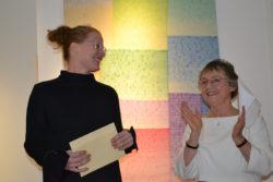wieteken heldens tijdens expositie met Anne Mie Emons